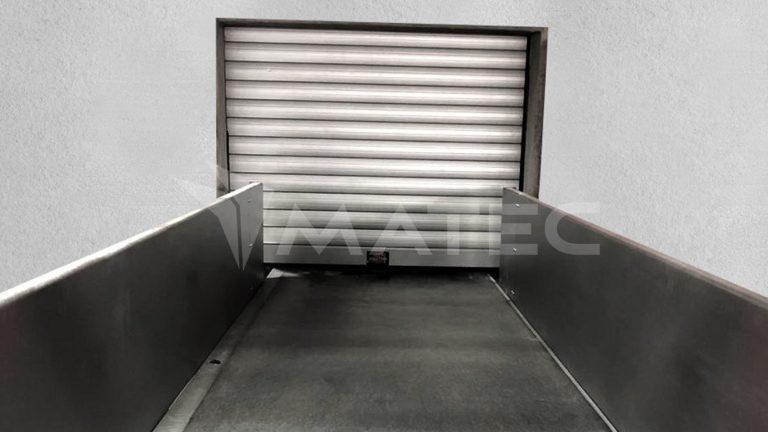 puerta de servicio